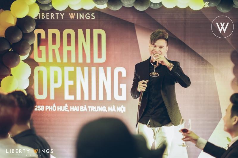khai trương showroom liberty wings